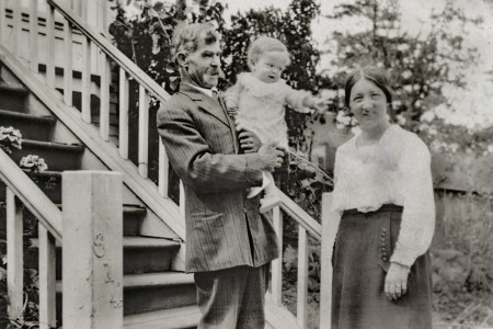 1926 jackie williams age 1 with his parents at 614 cragflower rd  per whitehead collctn_resize